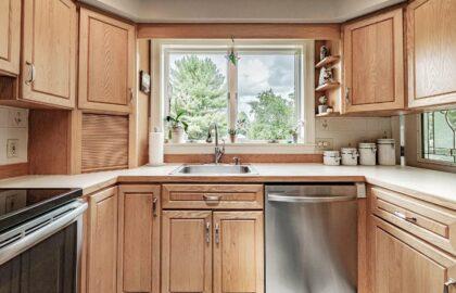 Kitchen & Dining3